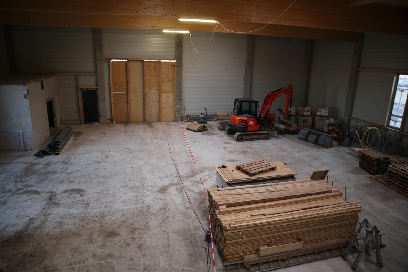 Blick in die spätere Lagerhalle und Werkstatt