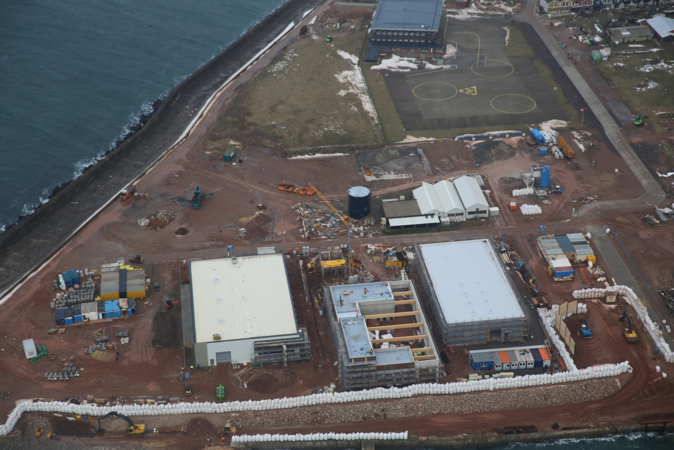 Die Betriebsgebäude von WindMW, RWE Innogy und E.ON (v.l.n.r.) im Südhafengelände